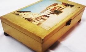 Reciclar caja de música y tunear marco de fotos.