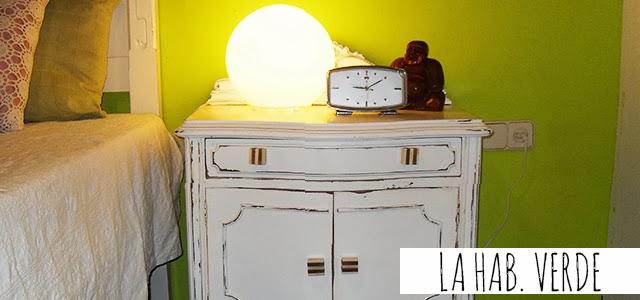 http://www.yonolotiraria.com/2013/05/23/redecorar-un-dormitorio-solo-con/
